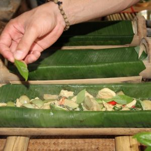 Khao Sok Jungle Dinner preparing