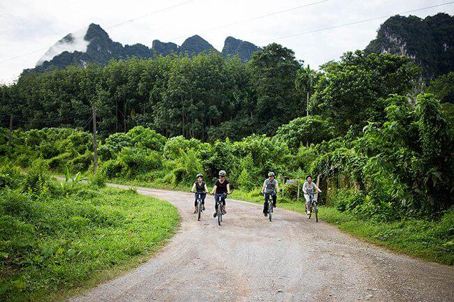 Bike-at-Anurak-Lodge-1