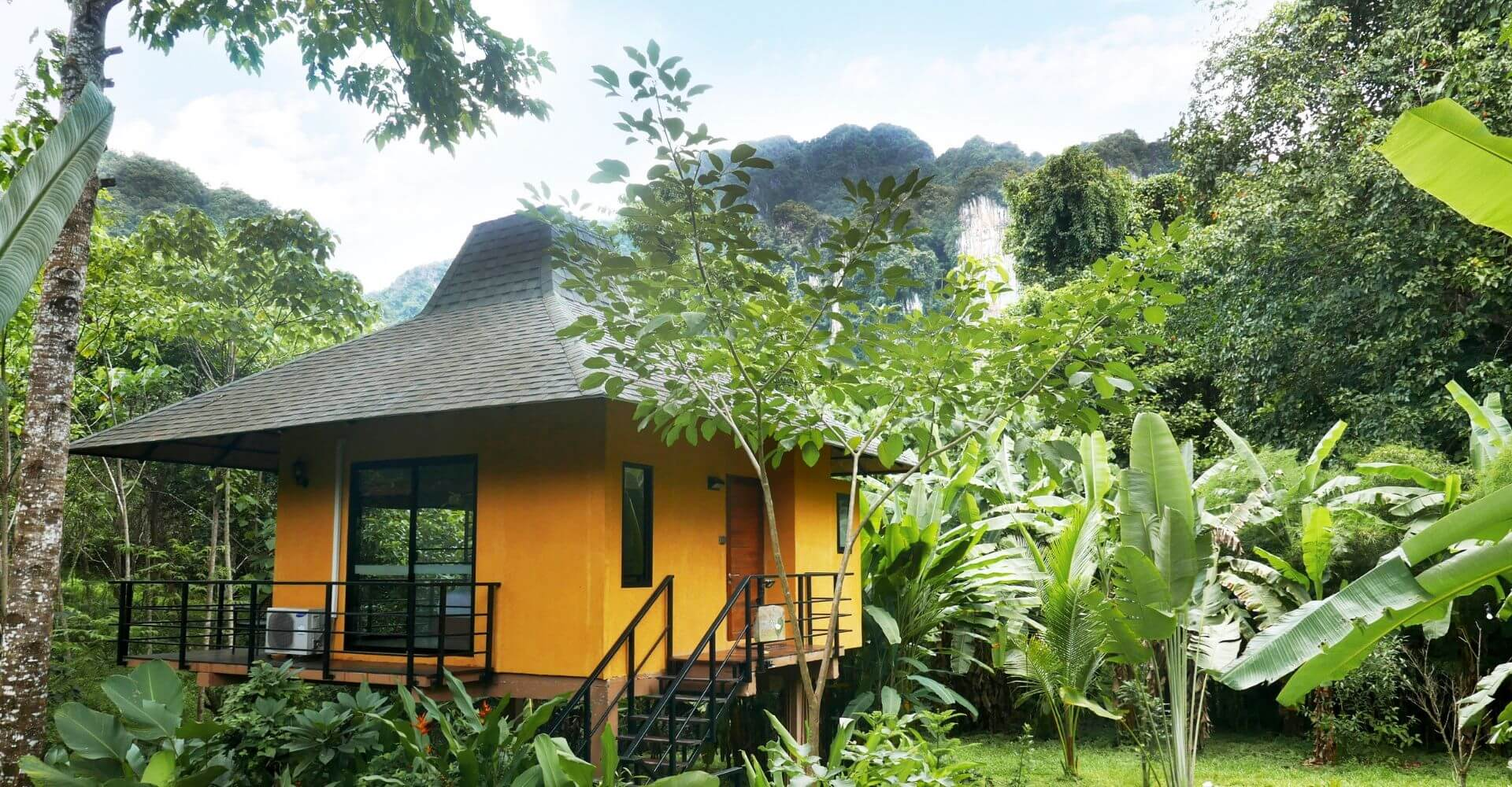 Anurak Lodge Rooms