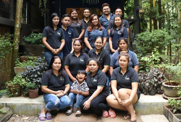 Anurak Lodge Staff